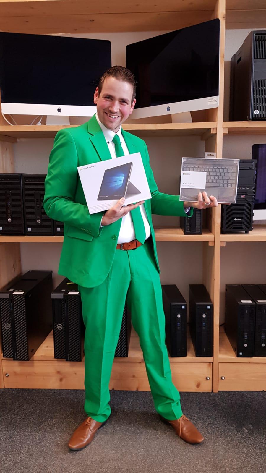 Schrijf je in voor de nieuwsbrief van DubbelGaaf.nl en win een Microsoft Surface Go!